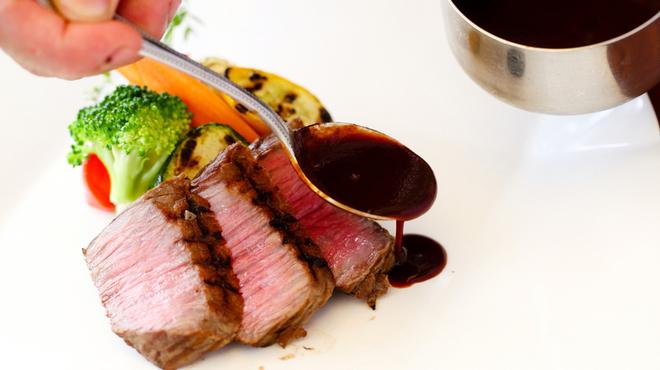 カフェテラス・ド・パリ - 料理写真:神戸牛もも肉のグリエ KOBE BEEF
