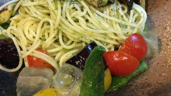 BISTRO にふぇー - 料理写真:夏野菜の冷製パスタ