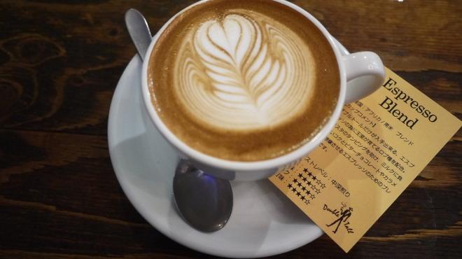ダブルトールカフェ - ドリンク写真:カフェラテ