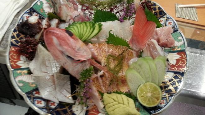 錦 - 料理写真:のどぐろ、真あじの活け造り