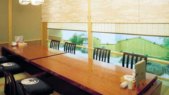 かに道楽 - 内観写真:個室