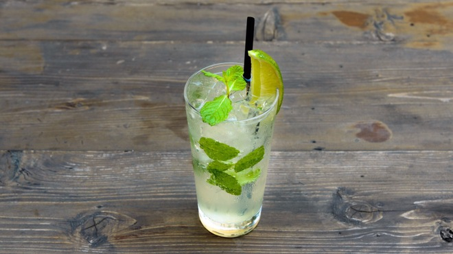"""HOFF - ドリンク写真:""""ヴァージンシトラスモヒート""""オリジナルシロップを使ったHOFFだけのノンアルコールモヒート。アルコールもプラスできます。"""
