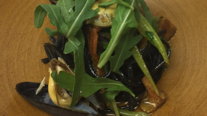 リストランテ・ホンダ - 料理写真:ムール貝のイカ墨を練り込んだタリオリーニ