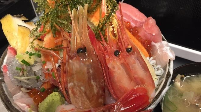さかなや別邸 - 料理写真:極上海鮮丼