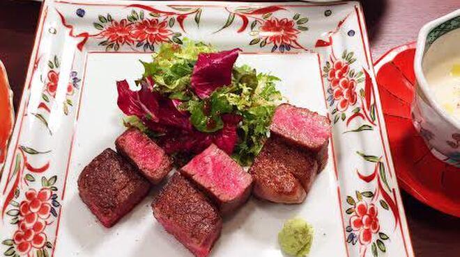 加藤牛肉店 - 料理写真:山形牛 ステーキ3種盛合せコース(一例)