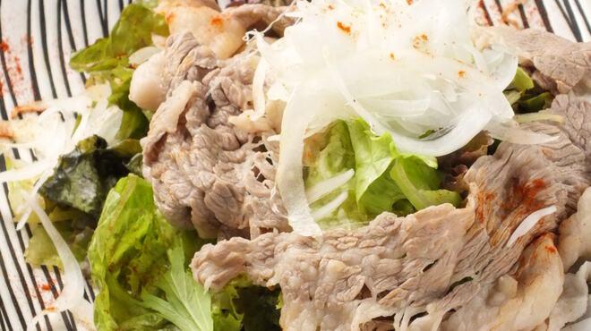 ろっかく鍋 榊 - 料理写真:黒毛和牛の牛しゃぶサラダ
