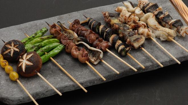 吉里 - 料理写真:うなぎ串九種盛り合わせ