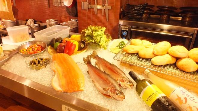 鮭バル - メイン写真:
