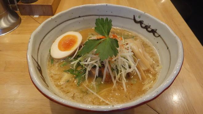 麺匠 たか松 - 料理写真:老舗の蔵出し味噌らぁ麺