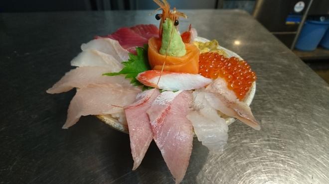 マルカン漁業部 海がき本店 - 料理写真: