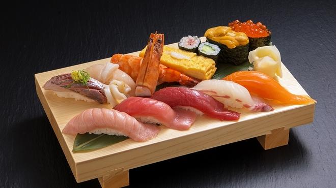 沼津魚がし鮨 - 料理写真:元祖魚がし握り(土日祝限定)