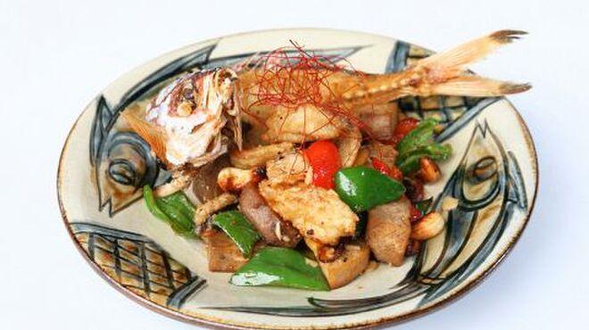 ぱいかじ - 料理写真:グルクンと島野菜のコーレー炒め