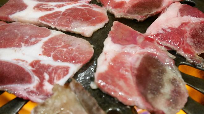ヒコバンバン - 料理写真:数量限定の牛骨付きカルビ