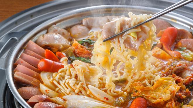 ハヌリ - 料理写真:これは旨いです!ハヌリの大人気鍋プデチゲ。