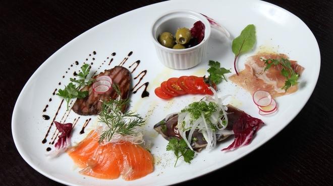 ランタン - 料理写真:前菜盛り合わせ5種