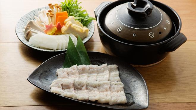 和食と炭火焼 三代目 うな衛門 - 料理写真:鰻のしゃぶしゃぶ