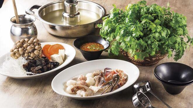 コカレストラン&マンゴツリーカフェ - 料理写真:パクチータイスキ
