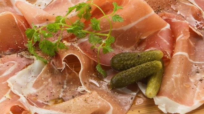 オンザテーブル バイ グッドビア フォウセッツ - 料理写真:スペイン産生ハム