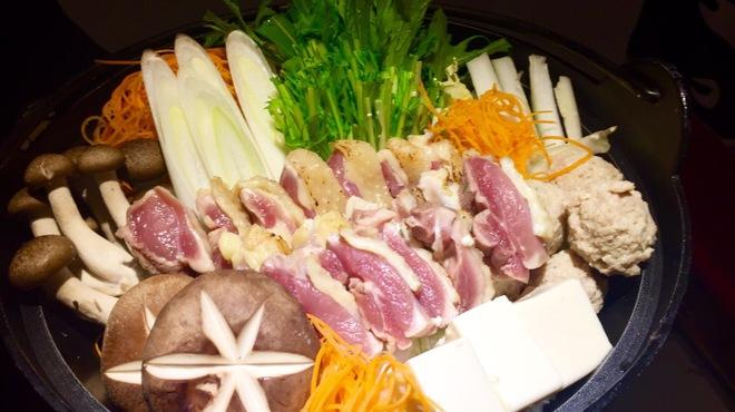 テバス - 料理写真:大和肉鶏黄金鍋