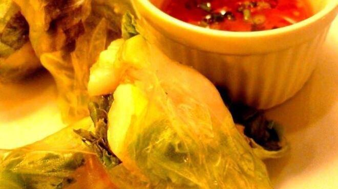 アキタカ - 料理写真:定番☆海老とアボカド生春巻