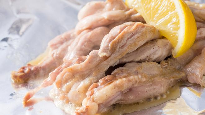 呑喜 - 料理写真:せせりの塩焼き リピーターの多い一品!