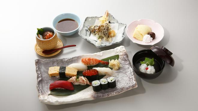 よし寿司 - メイン写真: