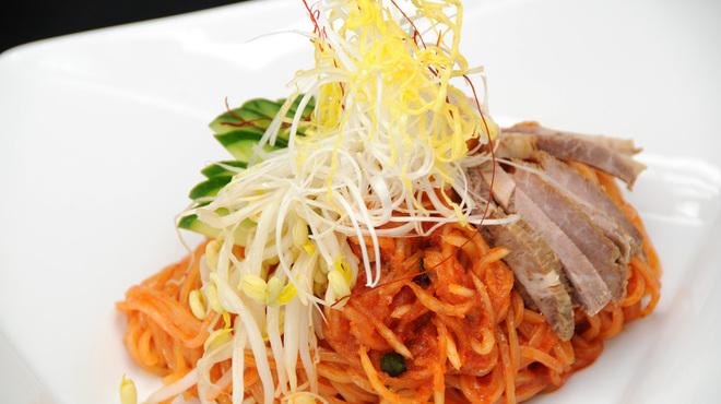 焼肉 飛鳥 - 料理写真:ピリリと辛い通好みのビビン麺