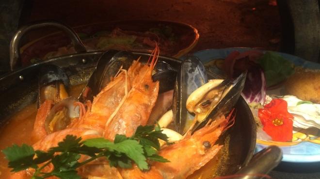 ピッツェリアブラチェリア チェザリ - 料理写真:ナポリの漁師鍋