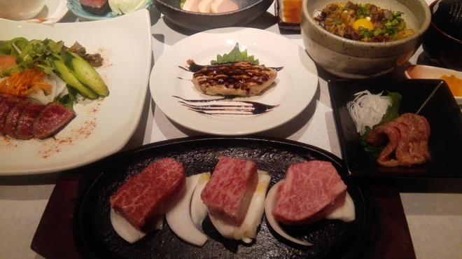 紀州屋 - 料理写真:ルミナリエ・クリスマス神戸牛三種ステーキコース