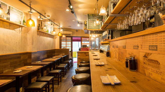 魚串さくらさく立川 - 内観写真:店内34席ご用意。満席時はギチギチです。