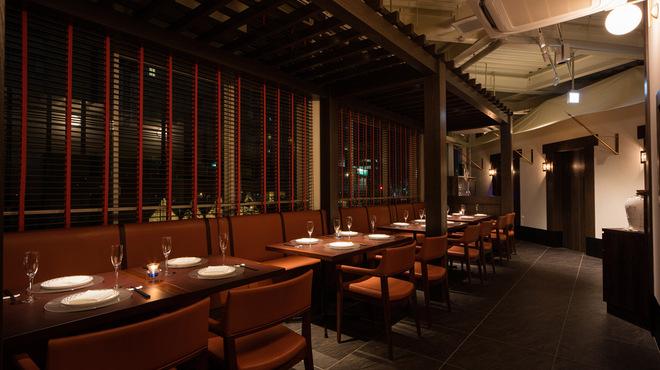 星期菜ヌードル&シノワ - 内観写真:落ち着いた雰囲気のフォーマル席でぜひ人気のコース料理をご賞味ください。