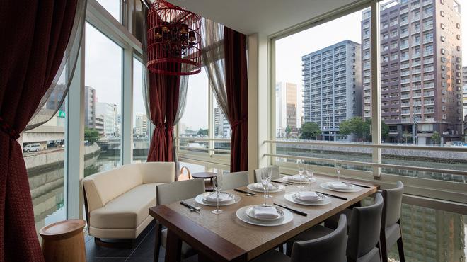星期菜ヌードル&シノワ - 内観写真:個室は2名様より最大10名様まで利用可能