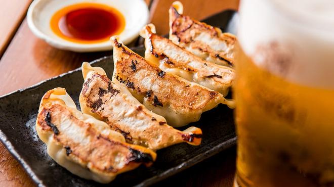 餃子酒場 たまりや - 料理写真:やっぱり餃子には生ビール!
