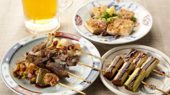 あさひ - 料理写真:焼き鳥(260円~)等、串焼きもあります。