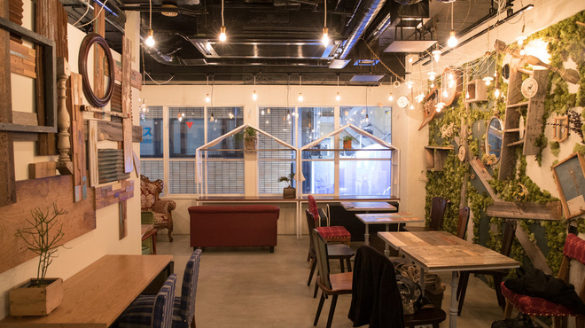 ブリキボタン CAFE&DINING - メイン写真: