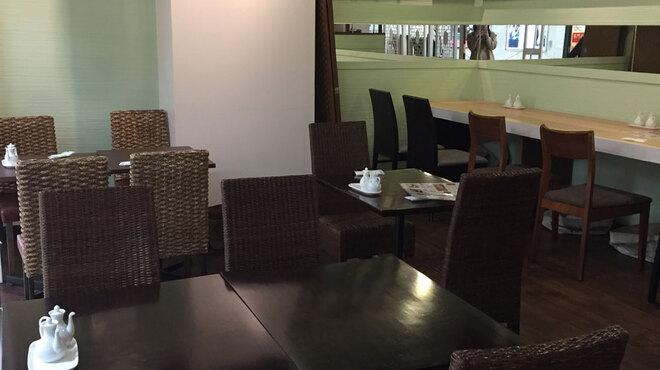 枸杞の実 - 内観写真:カフェのようなスタイリッシュな店内