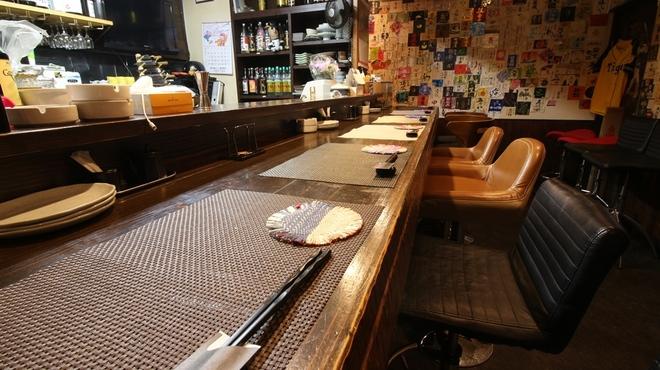 酒菜屋 志らい - メイン写真: