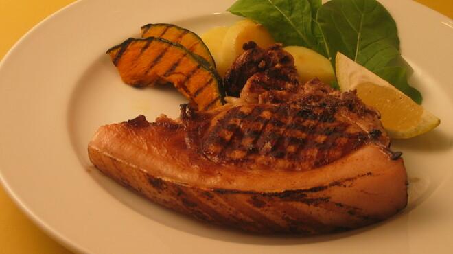 ビルーチェ - 料理写真:沖縄産アグー豚のグリル