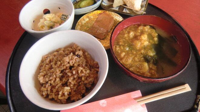 和のみ - 料理写真:玄米酵素に小鉢が4種さらに昆布茶がセットです