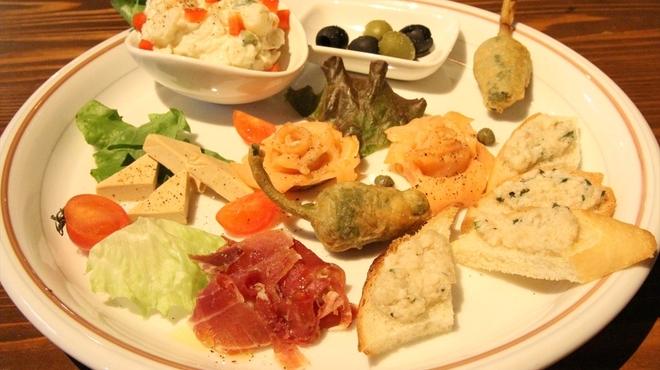肉バル サンゴリアス - 料理写真: