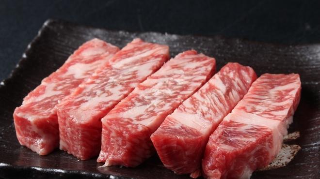 炭火ホルモン焼肉 えい豚 - メイン写真: