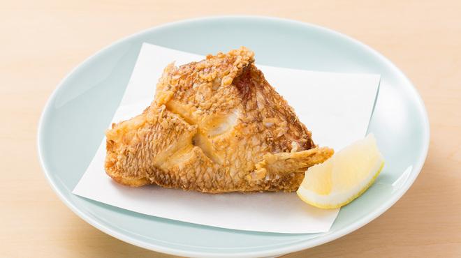 うまい麺には福来たる - 料理写真:【やみつき鯛カマ揚げ】300円  「鯛一郎クン」のアラを旨みたっぷり、ジューシーに揚げました。一度食べるとまた食べたくなる、忘れられない味です。