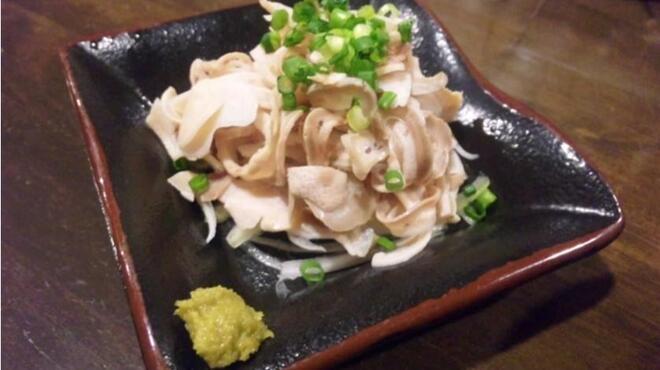 元祖博多麺もつ屋 - 料理写真:福岡名物の酢もつ。さっぱりしてつまみには最高♪