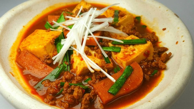 かりゆしナイト - 料理写真:島豆腐とスパムの麻婆豆腐