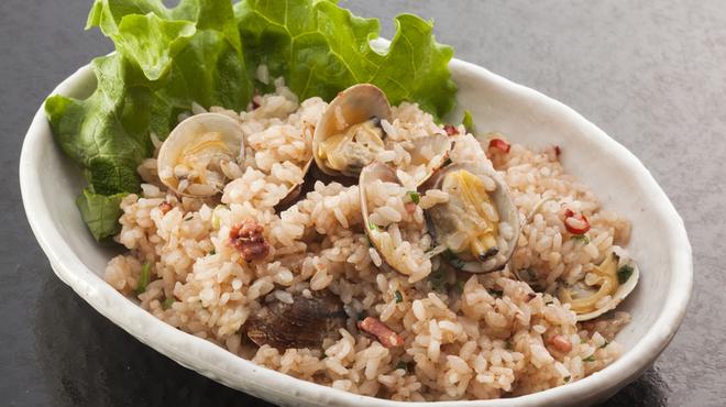 浜焼き しんちゃん - 料理写真:漁師チャーハン   750円
