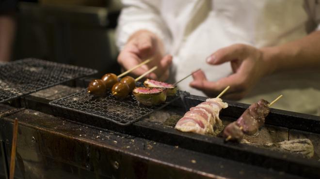 焼鳥今井 - 料理写真:紀州備長炭でじっくりと火を通します