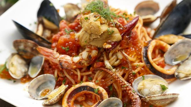 Azzurro520 - 料理写真:魚介たっぷりの本格地中海料理