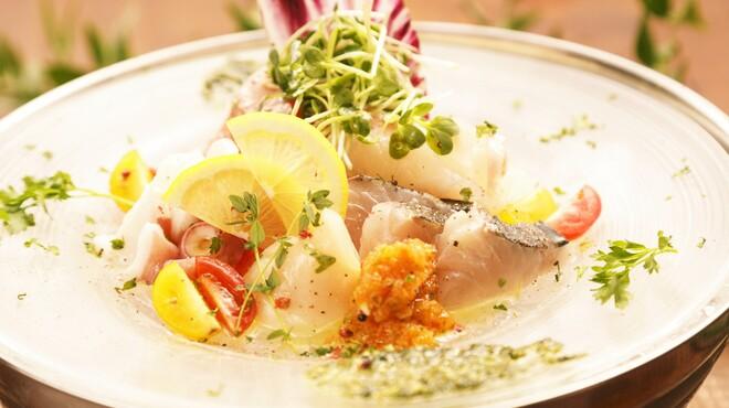 Azzurro520 - 料理写真:朝獲れ鮮魚のカルパッチョ