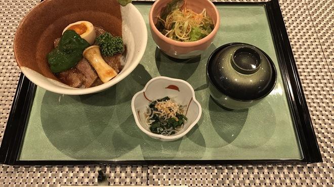 なごみ処 八咲 - 料理写真:ステーキ丼