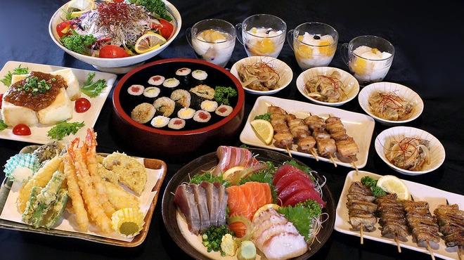 マルハチ商店 - 料理写真:春の2500円コース(鍋なし)